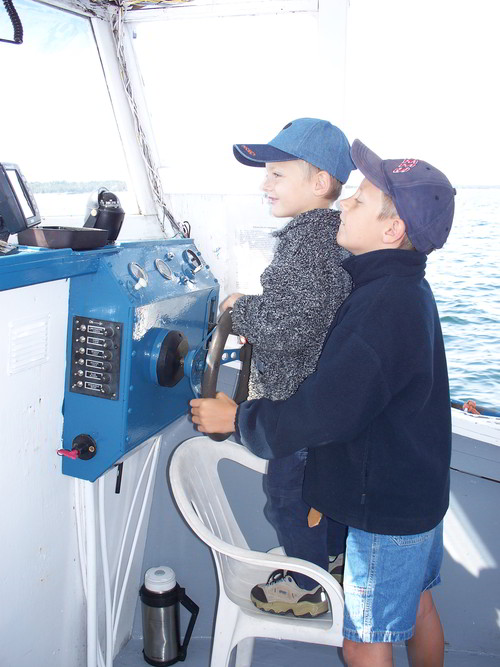 youngsters-captain-the-tour-boat-murphys-camping-nova-scotia-2007-500px
